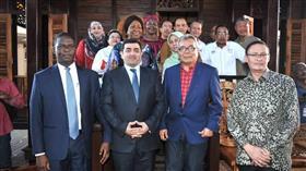 سفيرنا بماليزيا يبحث تصدير الأخشاب إلى الكويت