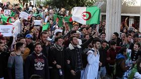 السفارة الأمريكية بالجزائر تحذر رعاياها من مظاهرات الجمعة