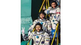 تهنئة من الفضاء لجميع النساء بعيد المرأة العالمي