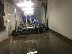 «التربية»: إصلاح مضخة مياه تسببت في غرق مواقف السيارات
