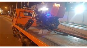 «الداخلية»: إحالة قائد الدراجة النارية الذي صعد على رصيف المشاة لنظارة المرور