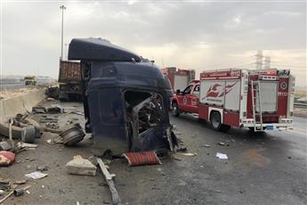 «الإطفاء»: إنقاذ قائد قاطرة انحشر بداخلها بعد اصطدامها بحاجز إسمنتي على طريق جاسم الخرافي