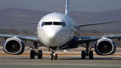 روسيا: هبوط اضطراري لطائرة «بوينغ 737-800» بسبب عطل في المحرك