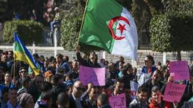 الجزائر: المتظاهرون يتوافدون.. والأمن يُغلق العاصمة