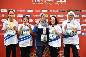 صورة جماعية للفريق الكويتي لألعاب القوى (سيدات) بعد الحصول على الميداليات