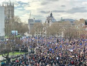 تظاهرة في لندن للمطالبة باستفتاء جديد حول «بريكست»