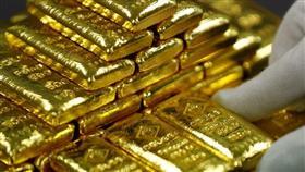 الذهب يتراجع بفعل قوة الدولار لكن ضعف الأسهم يحد من الخسائر