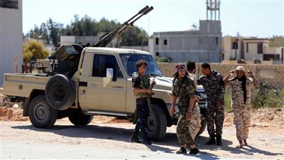 الجزائر تدعو إلى اجتماع طارئ مع مصر وتونس لبحث الأزمة الليبية