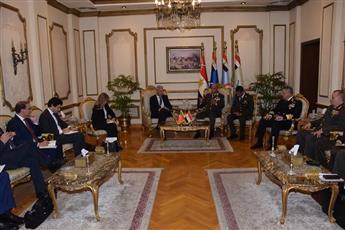 مصر والبرتغال يبحثان الجهود الاقليمية والدولية للقضاء على الارهاب