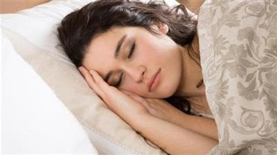 النوم أقل من 5 ساعات يزيد خطر الإصابة بالنوبات القلبية