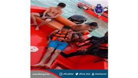 «الإطفاء»: إنقاذ ثلاثة أحداث من الغرق في شاطئ البلاجات