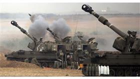 الاحتلال يقصف أهدافا على الحدود الشرقية لقطاع غزة