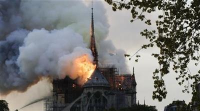 فرنسا تحذر من محتالين يجمعون تبرعات لنوتردام