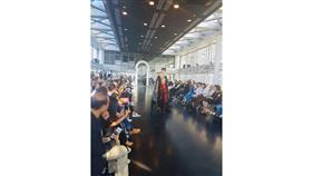 مصممة الأزياء الكويتية منتهى العجيل تشارك بمجموعتها التراثية في عرض للأزياء بباريس