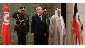 سمو الأمير يتسلم دعوة من الرئيس السبسي لزيارة تونس