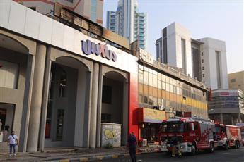 «الإطفاء»: إخماد حريق لوحة إعلان تجاري في مجمع بالسالمية