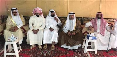 النائب الأول يؤدي واجب العزاء لذوي الشرطي محمد العنزي