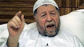 وفاة مؤسس الجبهة الإسلامية للإنقاذ المنحل في الجزائر