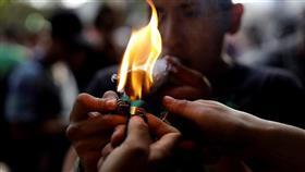 تظاهرات في المكسيك للمطالبة بتشريع «الماريجوانا» للأغراض الترفيهية