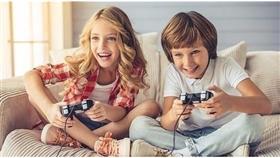 ألعاب الفيديو خطيرة على الفتيات.. لا على الفتيان
