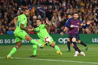 هدف ميسي يُتوج برشلونة بطلا للدوري الإسباني