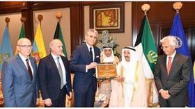 سمو الأمير يستقبل نائب رئيس البنك الدولي.. ويتسلم شهادة تقدير كرائد للعمل التنموي العالمي
