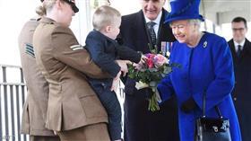 من وصايا الملكة.. أهم التقاليد الملكية عند استقبال مولود جديد