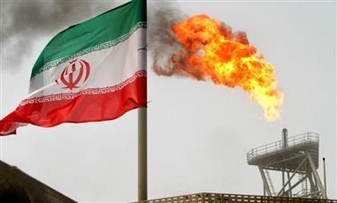 إيران تصر على زيادة مبيعات النفط للبقاء في الاتفاق النووي