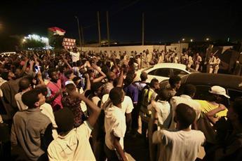 قتلى وعشرات المصابين جراء إطلاق نار كثيف في اعتصام الخرطوم