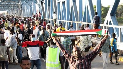 جرحى باطلاق نار على متظاهرين في الخرطوم