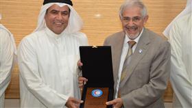 جمعية الهلال الأحمر الكويتي تكرم «الأمانة العامة للأوقاف»