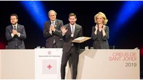 تكريم ميسي بوسام رفيع المستوى في كتالونيا