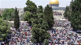 200 ألف يؤدون جمعة رمضان الثانية في «الأقصى»