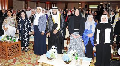 الخراز: المرأة الكويتية استحقت مميزاتها بجدارتها وكفاءتها