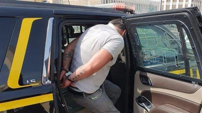 القبض على وافد حاول السطو على ماكينة سحب آلي بأحد البنوك