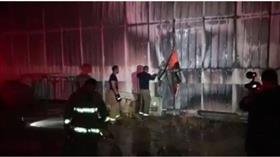 «الإطفاء»: السيطرة على حريق مخزن أعلاف في الصليبية الزراعية