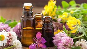 أفضل أنواع الزيوت الأساسية وفوائدها للبشرة