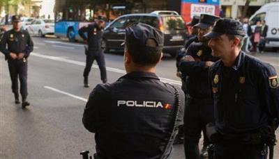 الشرطة الإسبانية تعتقل عددًا من لاعبي كرة القدم بتهم الفساد