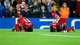 دراسة: صلاح هزم «الإسلاموفوبيا» في معقل ليفربول