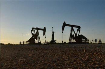 تراجع أسعار النفط بعد ارتفاع مفاجئ لمخزونات أمريكا