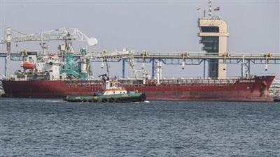 النتائج الأولية للتحقيقات في الهجمات على السفن قبالة ساحل الإمارات: غواصون بزوارق سريعة وضعوا ألغام الهجوم