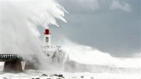 فرنسا.. العاصفة «ميغيل» تقتل 3 أشخاص وتقطع الكهرباء عن 80 ألف منزل