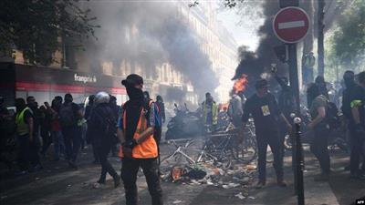 اشتباكات في احتجاجات «السترات الصفراء» بفرنسا