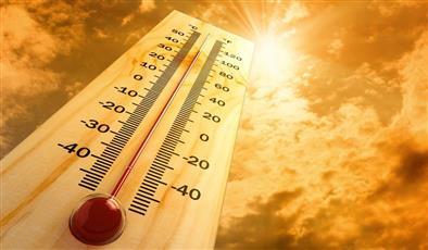 «الأرصاد»: طقس شديد الحرارة رطب نسبيًا.. والعظمى 48