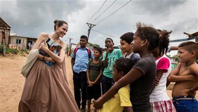 أنجلينا جولي تحث المجتمع الدولي على مساعدة أطفال فنزويلا