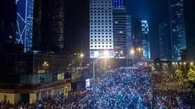 تظاهرة مليونية في هونغ كونغ احتجاجاً على اتفاق لتسليم الجناة إلى الصين