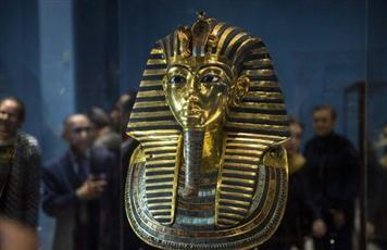 مصر تتحرك ضد «مزاد توت عنخ آمون» في لندن