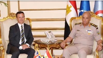 وزير الدفاع المصري يبحث «أمن المنطقة» مع وفد عسكري بريطاني