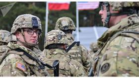 قصف يستهدف قاعدة بها مستشارين أمريكيين في العراق