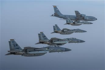 مقاتلات سعودية وأميركية تحلق فوق الخليج